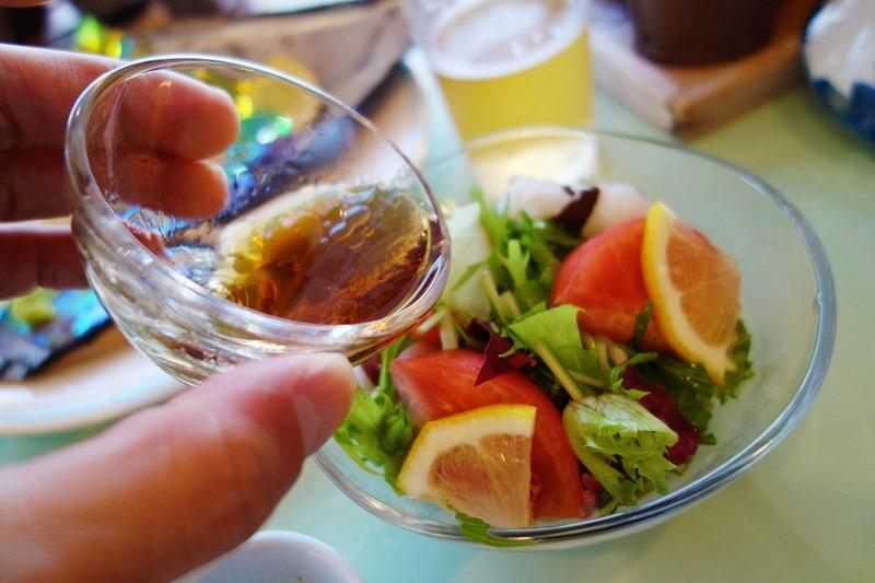 サンビーチおきみの夕食では地元産のオリーブオイルも使われています