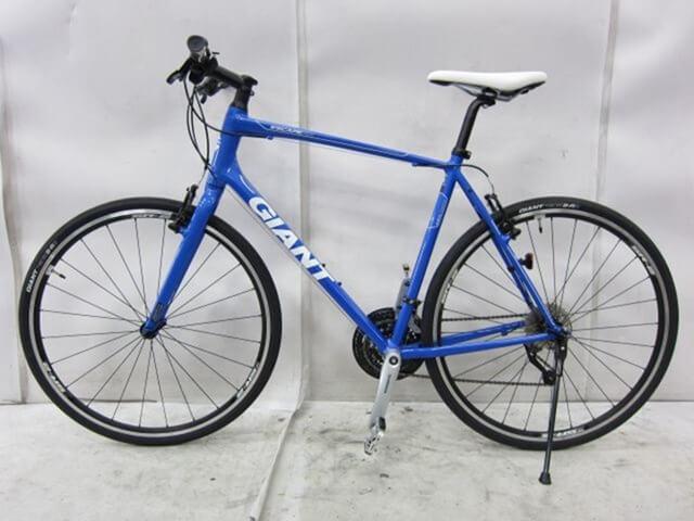 GiantのクロスバイクRx3。中古で買ったが状態良し。