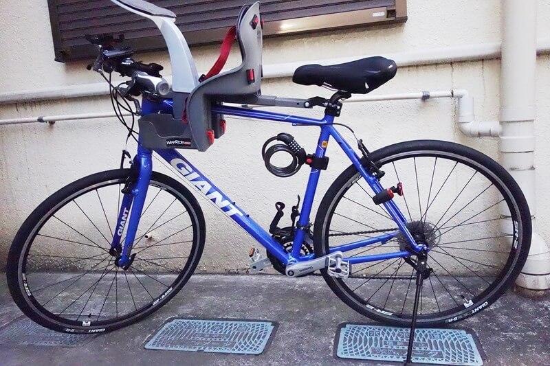 GiantのクロスバイクRX3にチャイルドシートを設置した様子