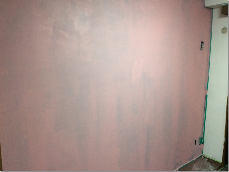 黒板塗料塗布1回目の様子。下地が浮かび上がっている。